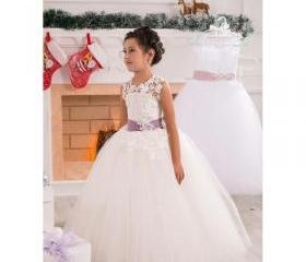 Flower girl dress.li..
