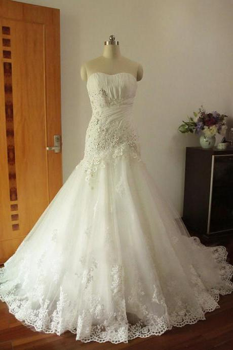 Strapless Sweetheart Lace Mermaid Wedding Dress Featuring Lace-Up Back