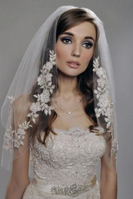 cheapWedding veil simple white/Ivory Wedding Veil Wedding tiara wedding veil/bridal veil/bridal accessories/head veil/tulle veiWedding Veil - Two Tier Veil with Gorgeous FRENCH Lace Appliques Adorned with Swarovski Crystals, Embroidery veils Sequins