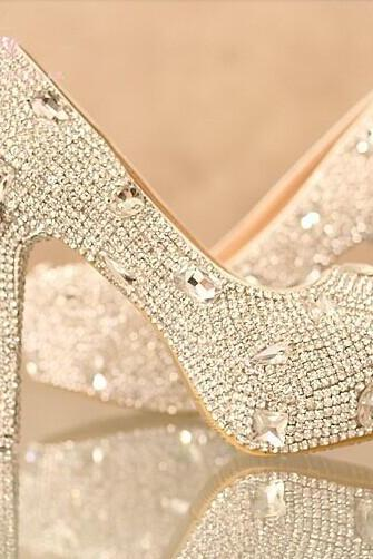 Shinning Rhinestone Wedding Bridal Shoes fashion Ladies Dress Shoes Party  Prom Crystal Pumps Bridesmaid Shoes eb5fc8b0ddf5