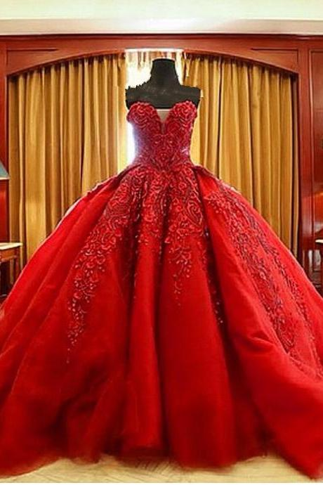 Red Lace Appliques Sweetheart Floor Length Tulle Wedding Gown Featuring Train